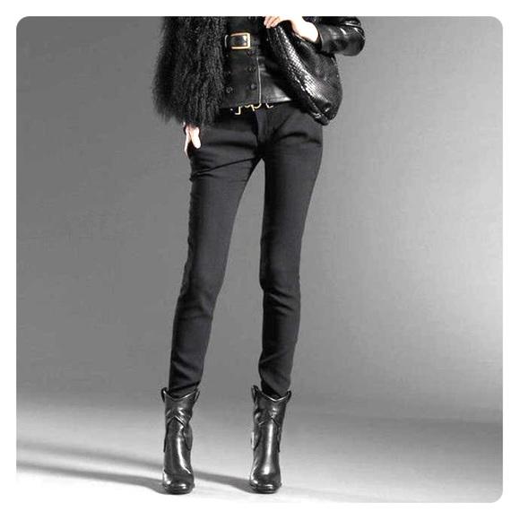 8ef66407d Gucci runway bootie flat form